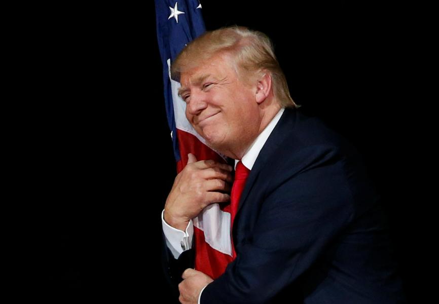 ترامپ به معاون اوباما: طوری می زنمت که گریه کنی